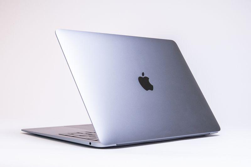 Apple predstavlja novi MacBook Pro s većim ekranom i modificiranom tastaturom