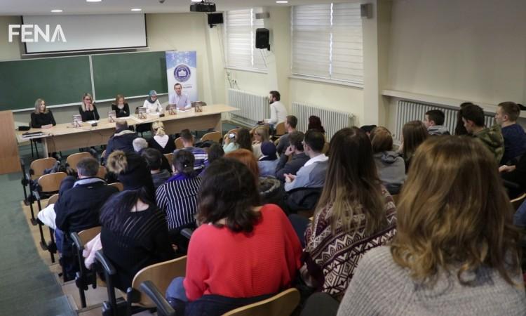 Predstavljena knjiga ¨Divoševo evanđelje¨ Lejle Nakaš (VIDEO)