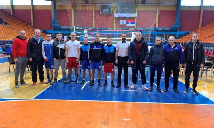 """Efendić osvojio zlato na turniru """"Omladinska zlatna rukavica"""" u Leskovcu"""