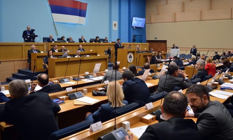 Vladajuća većina u NSRS potvrdila Dodikov stav o ¨štetnoj¨ posjeti Đukanovića