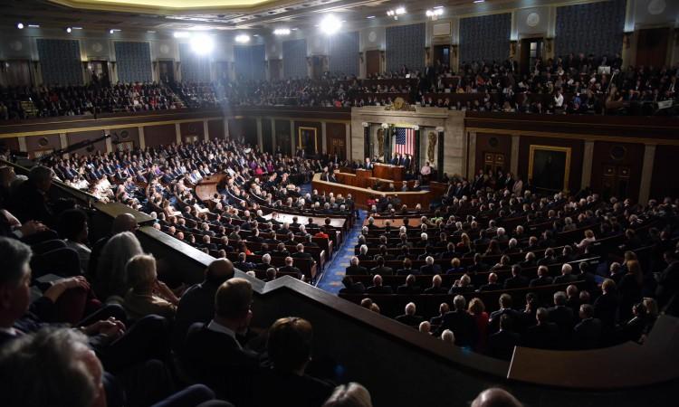 Američki Senat usvojio paket ekonomske pomoći zbog koronavirusa