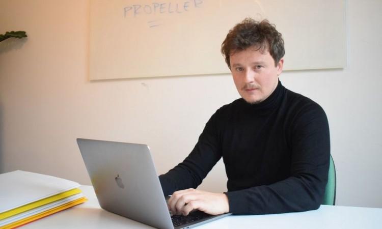 Brojne IT kompanije prelaze na režim ¨rada od kuće¨