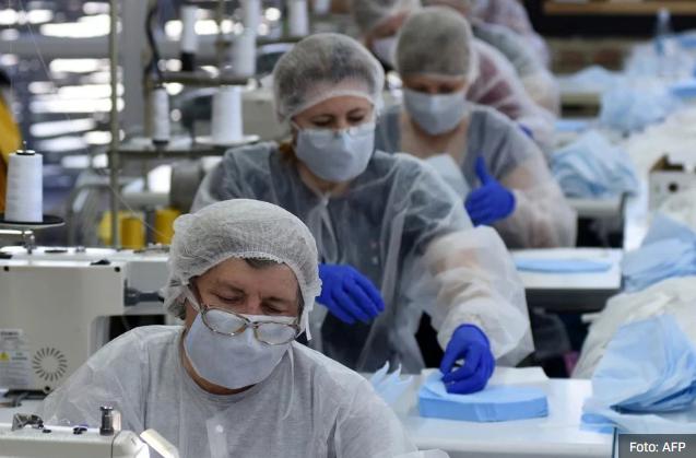 Modna industrija i koronavirus: Brendovi fokusirani na izradu maski i zaštitnih odijela