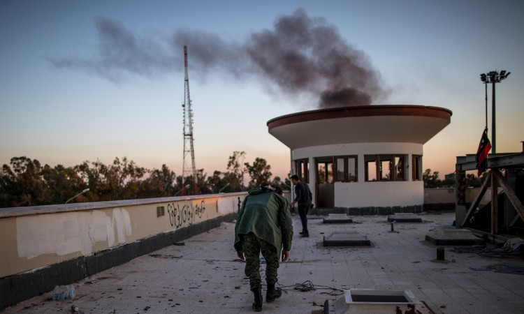 U Libiji srušen avion koji je prevozio oružje Haftarovim snagama