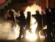 Policija u Beogradu ponovno koristila suzavac i silu