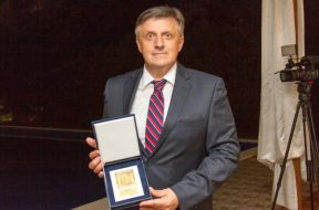 Guverneru Softiću nagrada za doprinos stabilnosti finansijskog sistema BiH