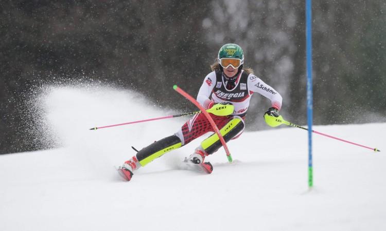 Slalom u Leviju: Vlhova slavila ispred Shiffrin