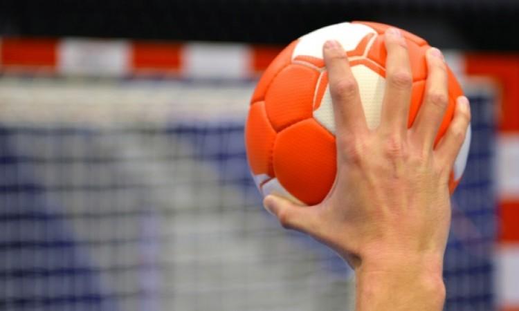 Selekcija Hrvatske prvi polufinalista rukometnog turnira u Bugojnu