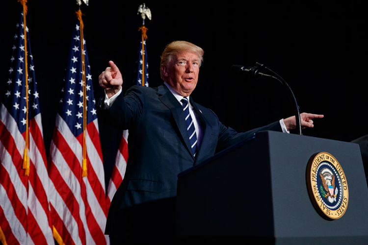 Trump održao oproštajni govor: Želim sreću novoj administraciji, molit ću se za njen uspjeh