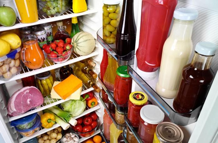 Dubinsko čišćenje frižidera je neophodno raditi svakih od tri do šest mjeseci
