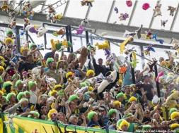 Screenshot_2019-09-16 Dirljiva akcija navijača Den Haaga Bacali igračke djeci oboljeloj od raka