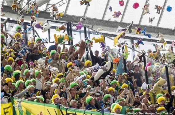 Dirljiva akcija navijača Den Haaga: Bacali igračke djeci oboljeloj od raka