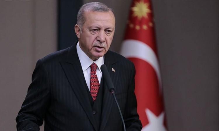 Turska lira pala za 14 posto nakon što je Erdogan smijenio guvernera banke