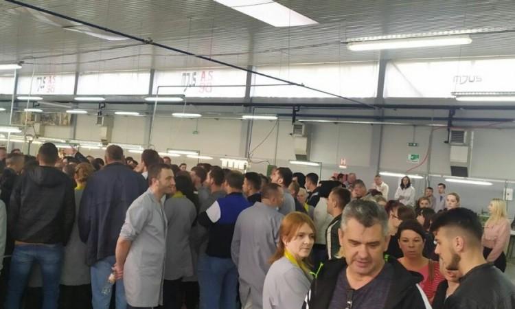Nastavljen štrajk radnika preduzeća ¨Olip¨ u Donjem Vakufu
