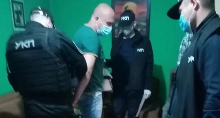 Upali mu u kuću i uhapsili ga jer je pozivao na ubistvo Aleksandra Vučića