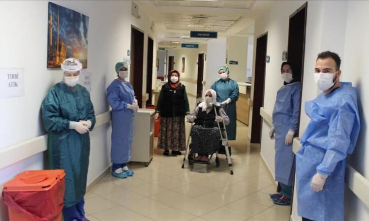 U Turskoj 110-godišnja starica pobijedila koronavirus