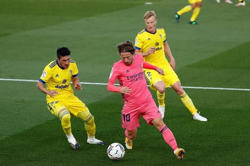 Real Madrid šokantno poražen kod kuće od Cadiza