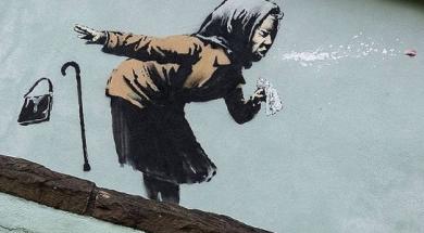 Screenshot_2020-12-12 Banksy potvrdio da je autor murala starice u predgrađu grada Bristol