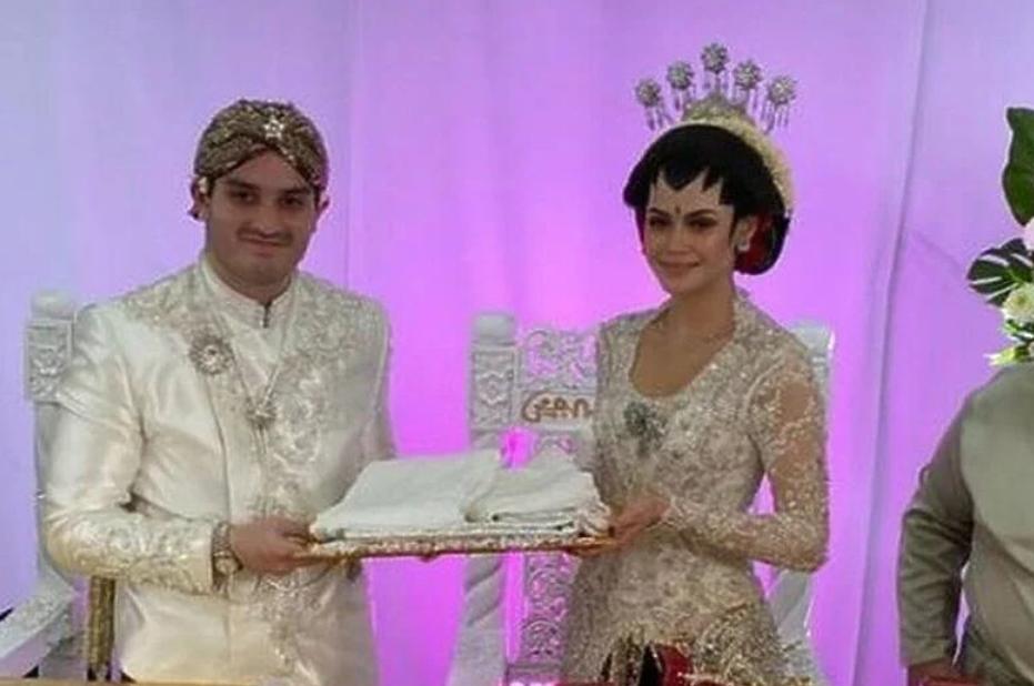 """U Maleziji održano """"drive-thru vjenčanje"""" sa 10.000 zvanica"""