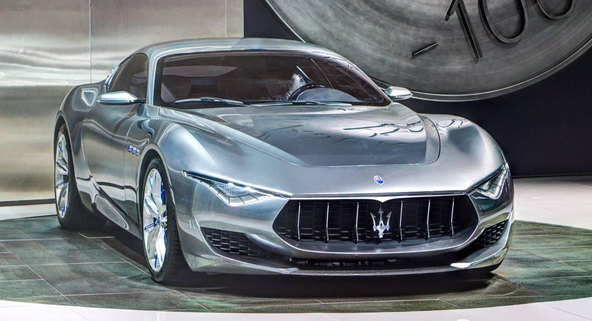 Svi Maseratijevi automobili će u narednih pet godina biti električni ili hibridi