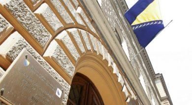 zastave_na_pola_koplja_Danas Dan žalosti u Federaciji Bosne i Hercegovine