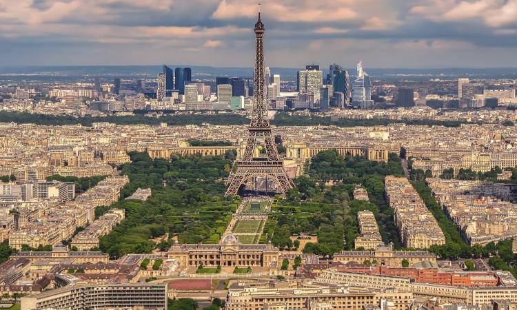Pariz ulazi u jednomjesečni lockdown