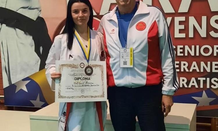 Almina Halilović osvojila treće mjesto na državnom takmičenju u karateu