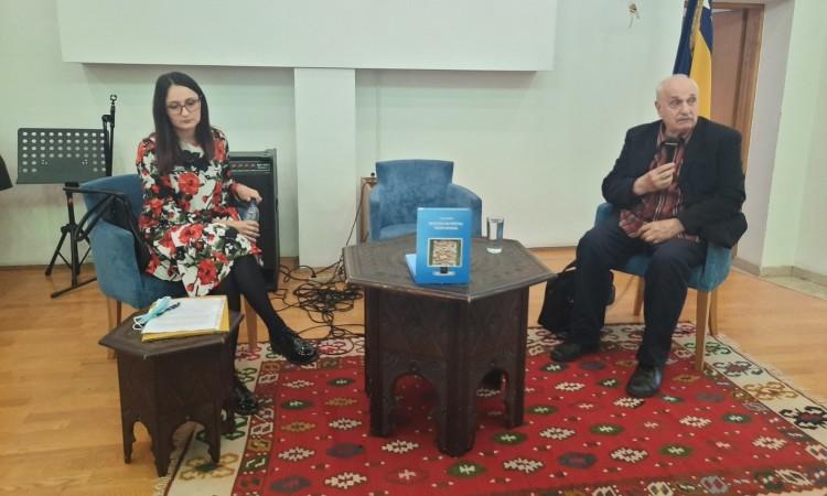 """Predstavljena knjiga dr. Enesa Kujundžića """"Biblioteka na pragu trećeg milenija"""""""