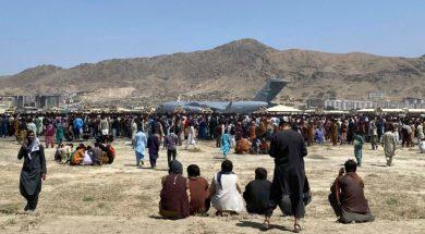 Uprkos prijetnji terorističkim napadom mase ljudi dolaze na aerodrom u Kabulu