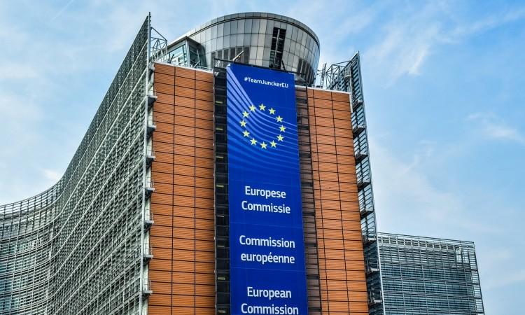 Evropska komisija usvaja Zakon o čipovima u cilju stvaranja strateške autonomije